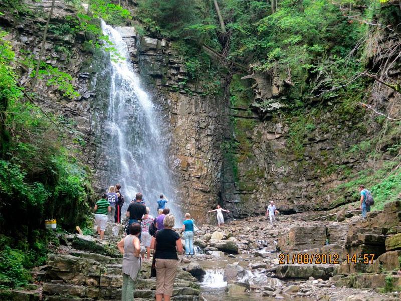 Манявский-водопад