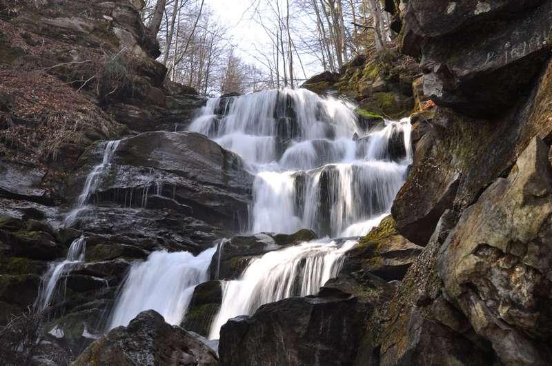 Детские походы в Карпаты. Водопад Шипот