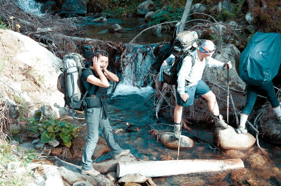 Pohod-po-Karpatam-PVD-4erez-reku